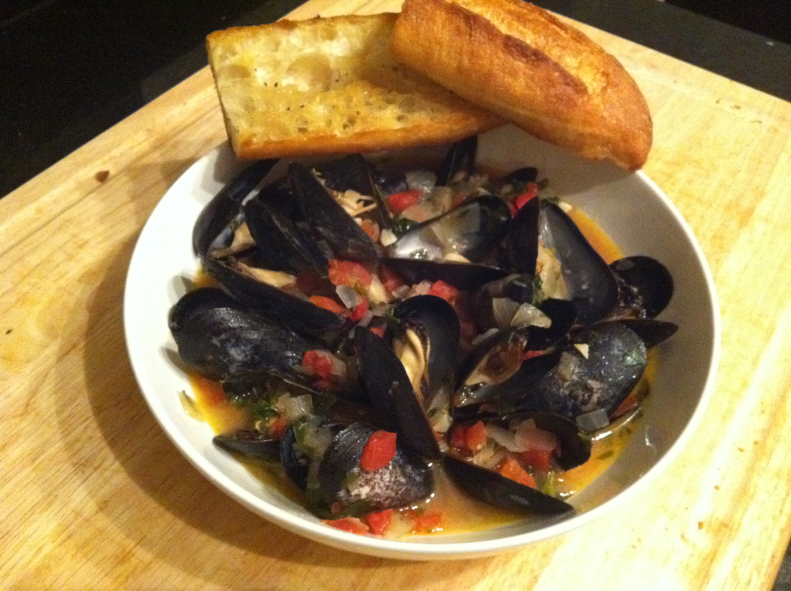 week 1: mussels in white wine sauce | home sweet blog